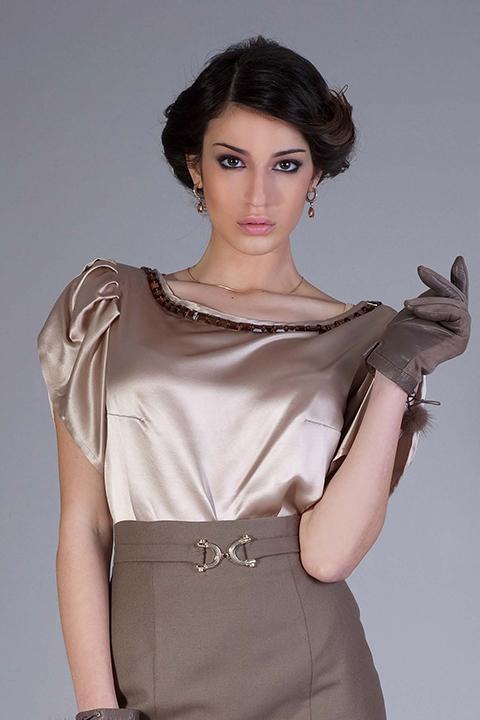 beige silk blouse mit rhinestones | ASITA SAHABI