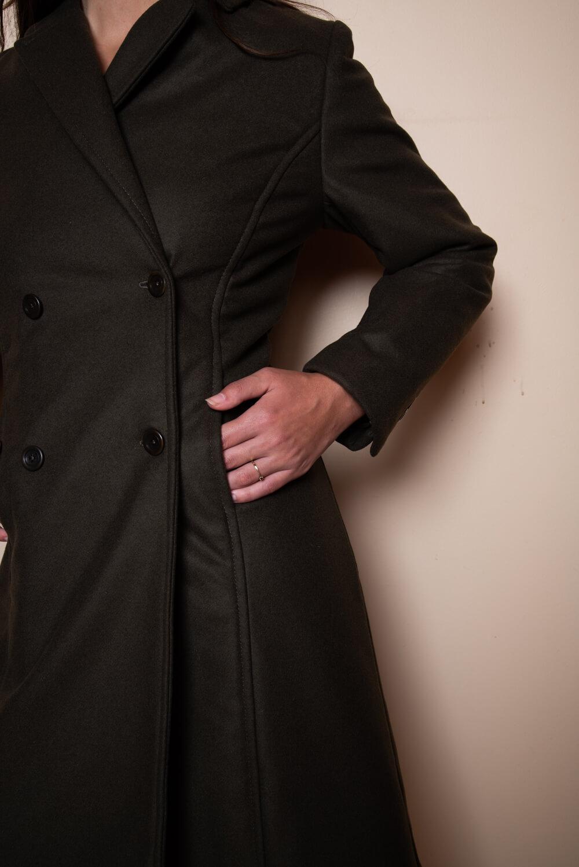 Dunkel brauner mantel