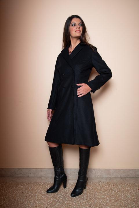 Winter-Damenbekleidung | schwarzer A-Linien-Mantel ASITA SAHABI