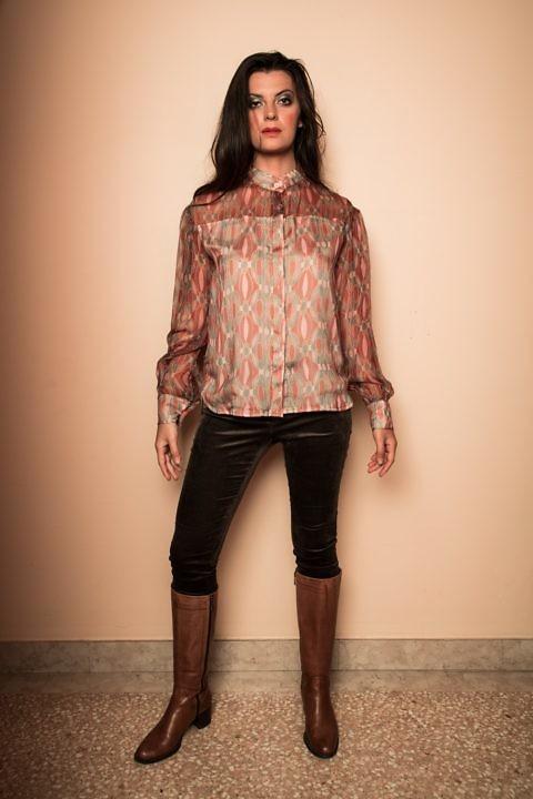 graphisch bedruckte Bluse aus Seidenchiffon in Rostrot | ASITA SAHABI