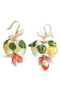 Ohrringe mit Korallen und Perlen im Zitronendesign