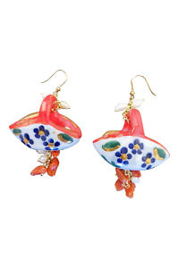 earrings with corals and pearls in jug design