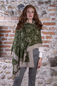 olive green pashmina VIVIAN with a brown floral pattern | 100% cashmere