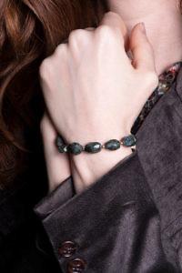 ASITA SAHABI Dunkelgrünes Armband aus Moosquarz