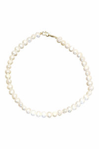 classic necklace with sweetwater pearls