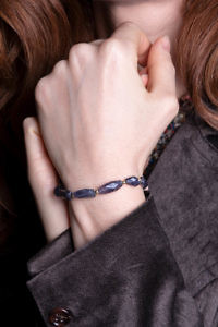 ASITA SAHABI Lila Armband aus Amethyst-Steinen