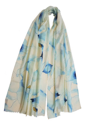 Pashmina LISA with an watercolor type floral print in ink blue and ivory