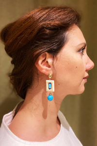 JEAN ANDRÉ earrings in turquoise green and ecru made of resin FINICHIA