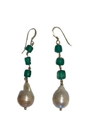 earrings with sweet water pearls and green onyx LAGUNA